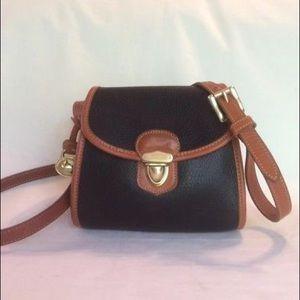 Dooney & Bourke Crossbody/Shoulder Bag